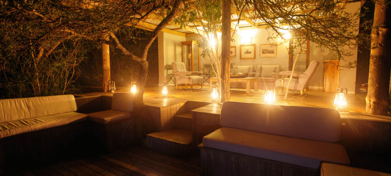 Mountain Safari Lodge, Addo, Camp Figtree Lounge area